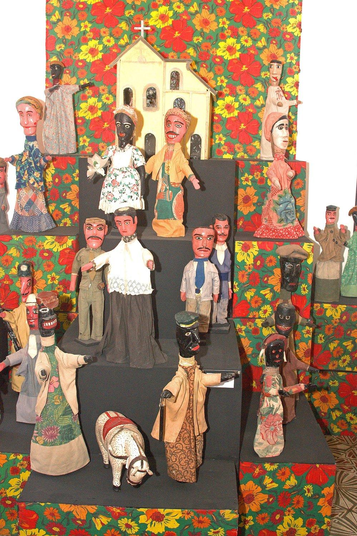 Les marionnettes de <em>mamulengo</em>. Museu do Mamulengo, Olinda, Pernambouc, Brésil. Photo : Prefeitura de Olinda (Flickr), CC BY 2.0, via Wikimedia Commons