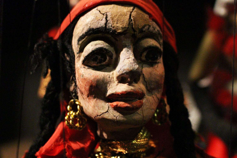 Gitane, une marionnette à fils par Odila Cardoso de Sena, Teatro Infantil de Marionetes (TIM). Photo: Carlos Mezeck de Sena
