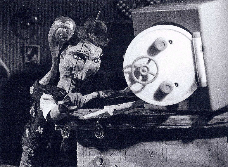 <em>Urbild</em> (1997) par Buchty a loutky (Cheb (Bohème occidentale, République tchèque), mise en scène : Radek Beran, scénographie : Barbora Lhotáková