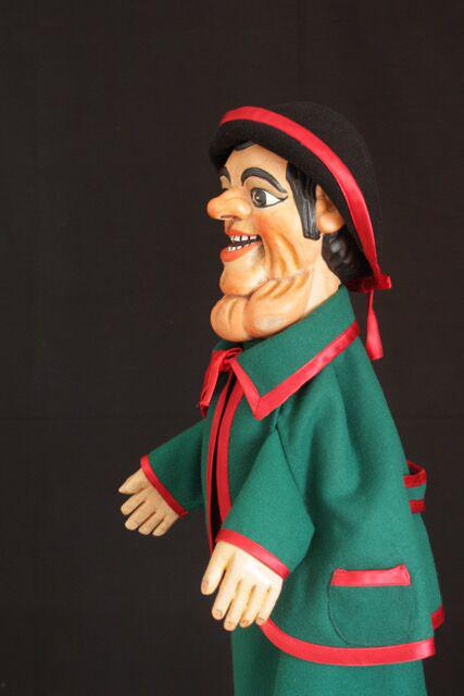 Gioppino, un <em>burattino</em> (marionnette à gaine) dans la tradition de Bergamo par le marionnettiste Pietro Roncelli (Brembate di Sopra, Bergamo, Italie). Photo réproduite avec l'aimable autorisation de Bruno Ghislandi