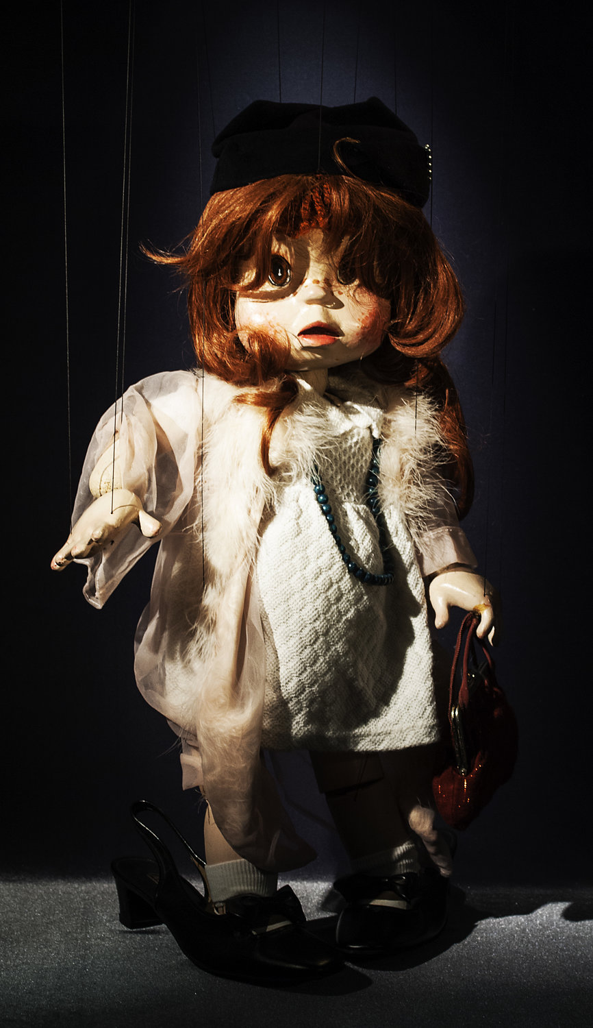 <em>Polly</em>, string puppet, in <em>Polly</em> (1981) by Coad Canada Puppets, direction: Luman Coad, design: Arlyn Coad. Award: Citation of Excellence in the Art of Puppetry from UNIMA-USA. Photo: Luman Coad