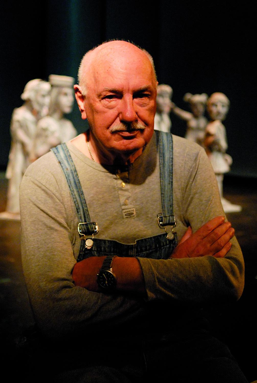 Karel Brožek (1935-2014), un a<em>c</em>tor, dire<em>c</em>tor y autor <em>c</em>he<em>c</em>o. Fotografía cortesía de Archivo de Loutkář