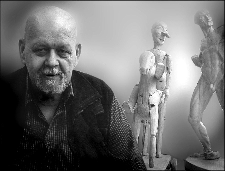 Pavel Kalfus (na<em>c</em>ido en 1942), un es<em>c</em>enógrafo, diseñador de títeres, pintor y professor <em>c</em>he<em>c</em>o. Fotografía cortesía de Archivo de Loutkář