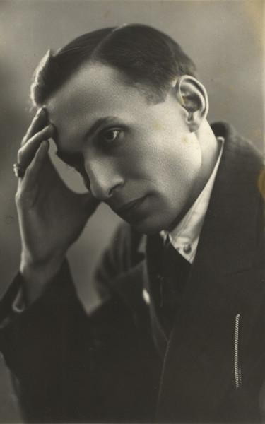 Evgueni Demmeni (1898-1969), acteur et metteur en scène russe (photo : 1940). Photo réproduite avec l'aimable autorisation de Archive : Teatr marionetok imeni E.S. Demmeni (Saint-Pétersbourg, Russie)