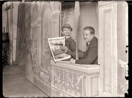 Francisco Sanz Baldoví, sur scène avec l'un de ses personnages les plus populaires, Don Liborio, première moitié du XXe siècle