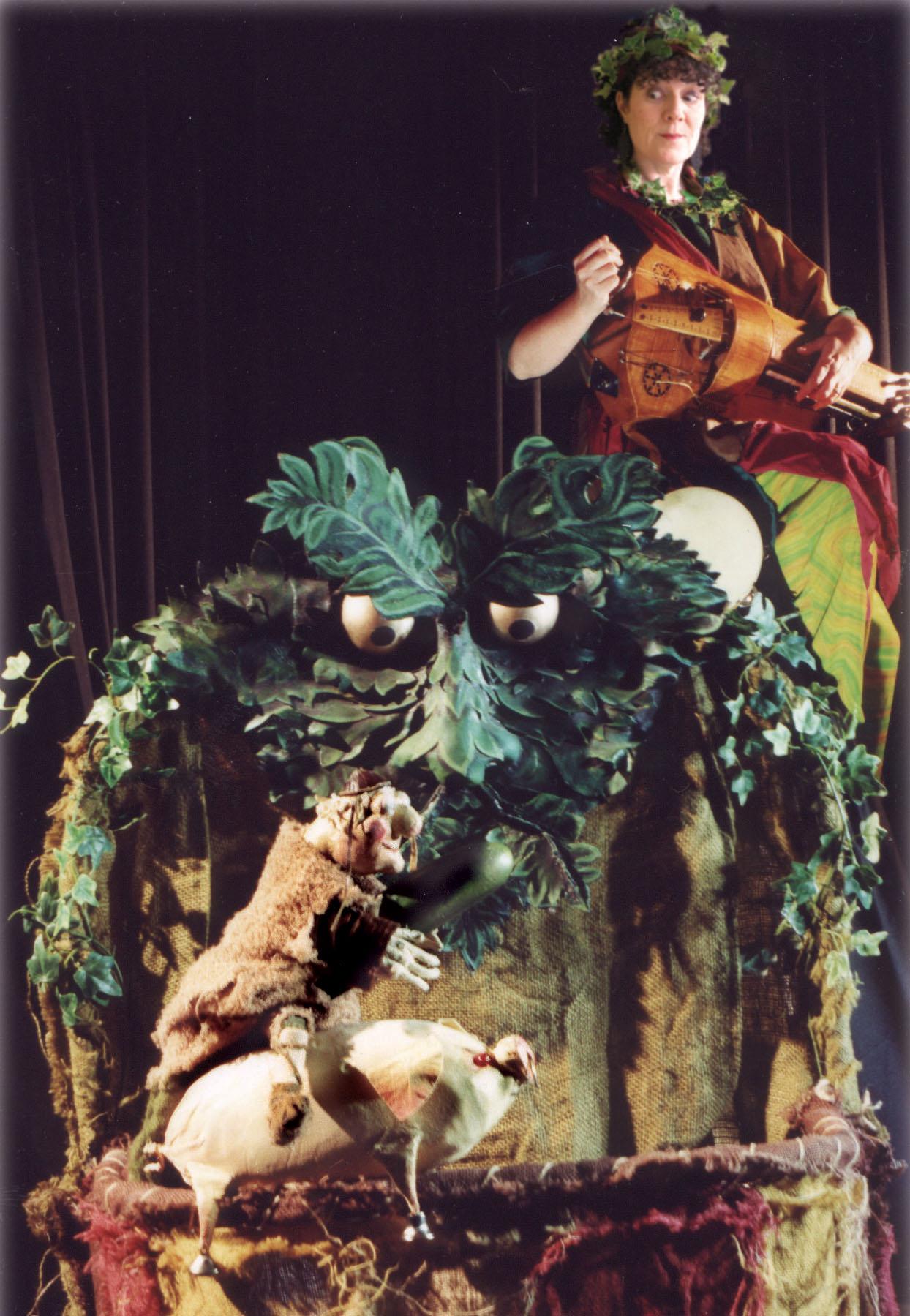 <em>Piggery Jokery</em> (1995) par le Hand to Mouth Theatre (New Forest, Royaume-Uni), mise en scène, conception et fabrication de marionnettes : Martin Bridle et Su Eaton, marionnettiste sur la photo : Su Eaton. Marionnette à gaine. Photo: Joe Low