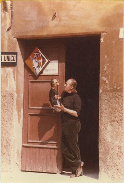 Giordano Ferrari (1905-1987), un directeur de la compagnie de marionnettes italienne de la famille Ferrari, I Burattini dei Ferrari. Photo réproduite avec l'aimable autorisation de Il Castello dei Burattini – Museo Giordano Ferrari (Parma, Italy)
