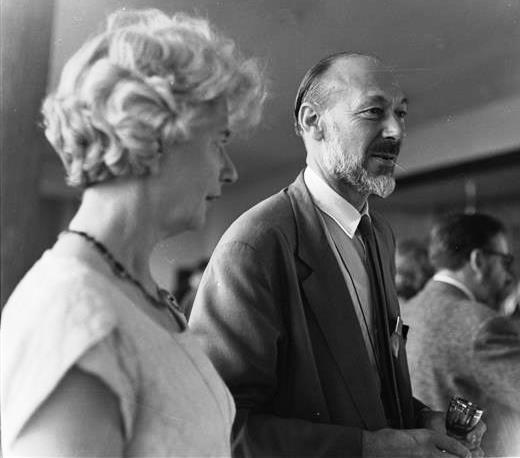 Jan Bussell (Président de l'UNIMA 1969-1976), en 1964. Photo réproduite avec l'aimable autorisation de The National Puppetry Archive
