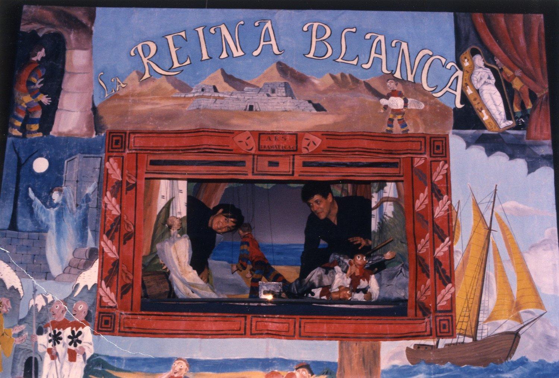La Reina blanca, une production de La Fanfarra (1987). Barcelone, Espagne. Photo réproduite avec l'aimable autorisation de Collection : TOPIC (Centro Internacional del Títere de Tolosa).