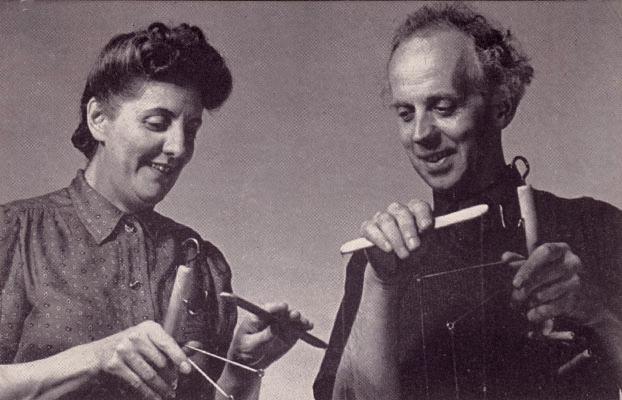 Muriel et Waldo Lanchester des Lanchester Marionettes. Photo réproduite avec l'aimable autorisation de Collection : The National Puppetry Archive