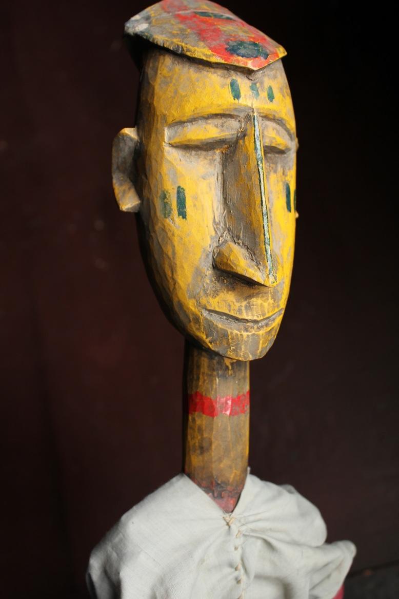 Une marionnette à tiges de bois et de tissu de Bamana, au Mali. The Cook/Marks Collection, Northwest Puppet Center. Photo: Dmitri Carter