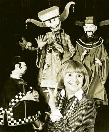 Micheline Legendre avec ses marionnettes