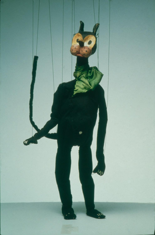 Krazy Kat (vers 1930), marionnette à fils par le marionnettiste et historien de théâtre de marionnettes américain Paul McPharlin (1904-1948)
