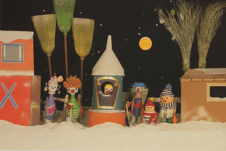 <em>Button Moon</em> « Clearing the Snow » (années 1980), séries télévisées par Playboard Puppets. Photo réproduite avec l'aimable autorisation de Ian Allen, Playboard Puppets