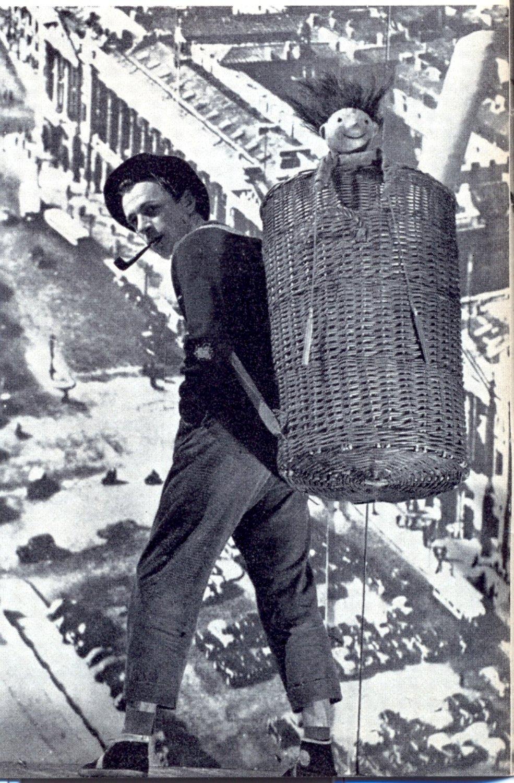 Jan Wilkowski, en <em>Guignol w tarapatach</em> (Guignol en un berenjenal, 1956) de Leon Moszczyński y Jan Wilkowski, representado por Teatr Lalka (Varsovia, Polonia), puesta en escena: Jan Wilkowski, escenografía: Adam <em>Ki</em>lian. Colección: Teatr Lalka. Foto: Edward Hartwig