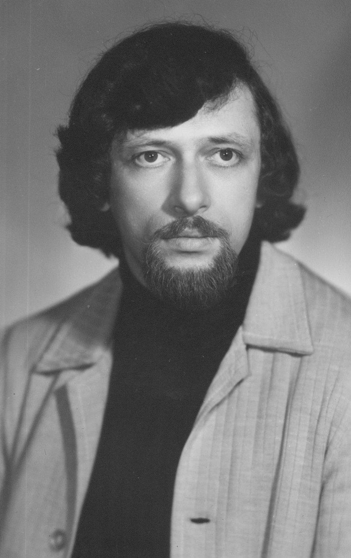 Roman Vinderman (1946-2001), director de teatro de marionetas y pedagogo ruso (foto: década de 1970). Fotografía cortesía de Colección: Teatr kukly i aktiora «Skomorokh» im. R. M. Vindermana (Tomsk, Rusia)