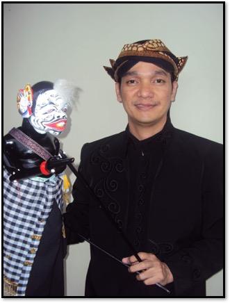 Semar, par Wawan Gunawan, un maître marionnettiste (<em>dalang</em>) indonésien du <em>wayang</em> golek, marionnette à tiges de la tradition du <em>Sunda</em>, Java occidental, et créateur de <em>wayang</em> golek ajen. Photo réproduite avec l'aimable autorisation de UNIMA-Indonésie