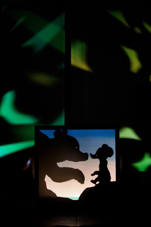 <em>Il cielo degli orsi</em> (2014), une production de Teatro Gioco Vita (Piacenza, Italie), mise en scène : Fabrizio Montecchi. Photo: Serena Groppelli