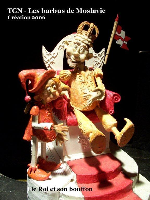 Le Roi et son bouffon, dans <em>Les barbus de Moslavie</em> (2006) par le Théâtre des Gros Nez (Perwez, Brabant wallon, Belgique), mise en scène, conception, scénographie et interprète : Marcel Orban. Photo réproduite avec l'aimable autorisation de Marcel Orban