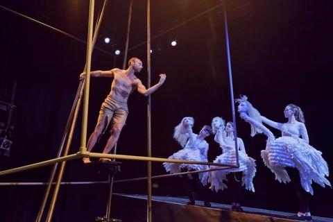 <em>Prometheus Within</em> (2013), conception et mise en scène par Theodora Skipitares. Photo: Richard Termine