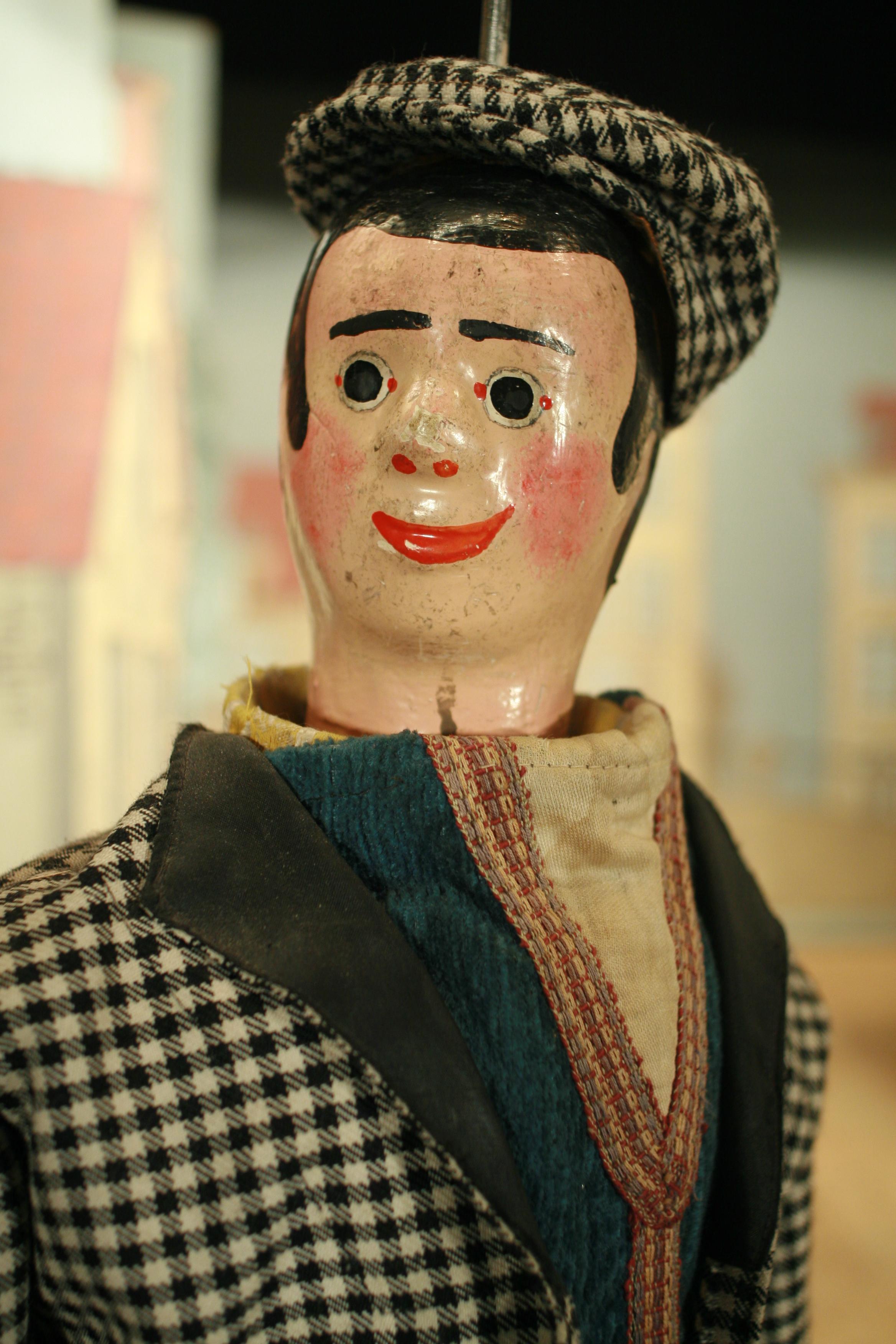 Woltje, le «ketje» de Bruxelles, la mascotte du Théâtre Royal de Toone (Bruxelles, Belgique). Marionnette à tringle. Photo: Nicolas Géal