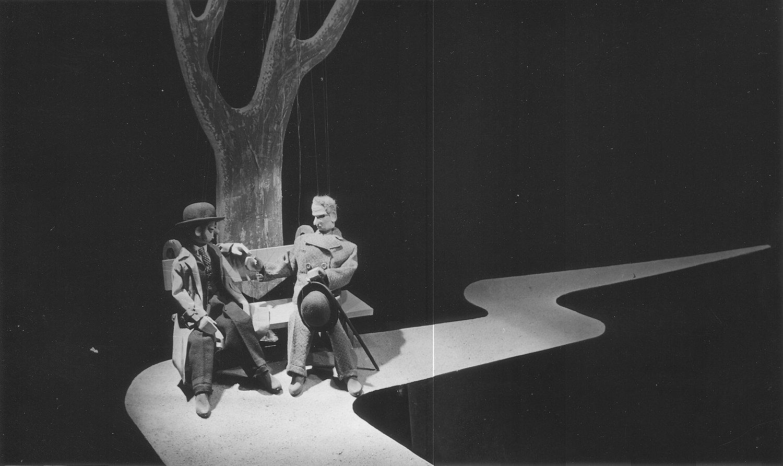 <em>Voničky</em> (1940) par Plzeňské loutkové divadlo Josefa Skupy, mise en s<em>c</em>ène et s<em>c</em>énographie : Jan Malík. Photo réproduite avec l'aimable autorisation de Archives de Nina Malíková. Photo: Václav Chochola