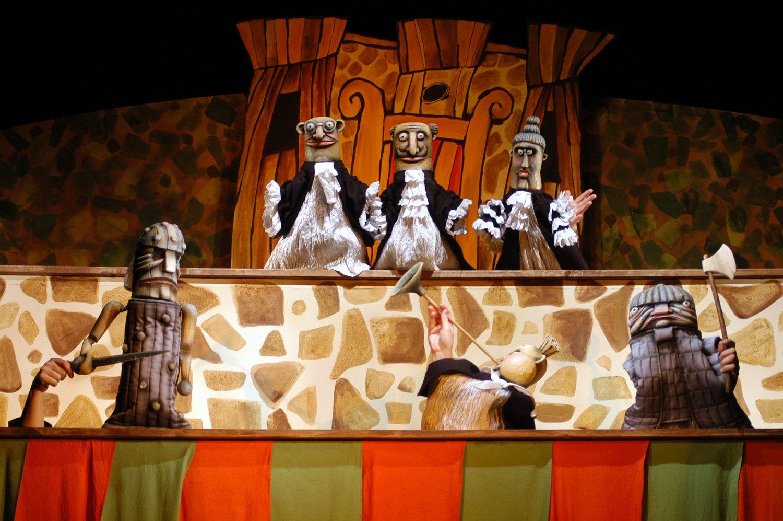 <em>Prin<em>c</em>ezna Sylvestrie</em> (2004) par Divadlo Radost (Brno, République t<em>c</em>hèque), mise en s<em>c</em>ène : Vlastimil Peška, s<em>c</em>énographie : Tomáš Volkmer. Photo: Jef Kratochvil © Radost