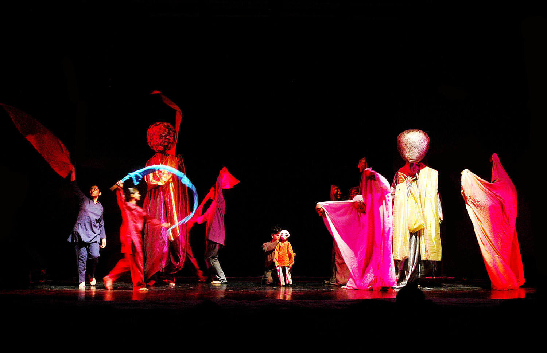 <em>Journeys</em> (2002, New Delhi, Inde) par The Ishara Puppet Theatre Trust, basé sur la <em>c</em>hanson