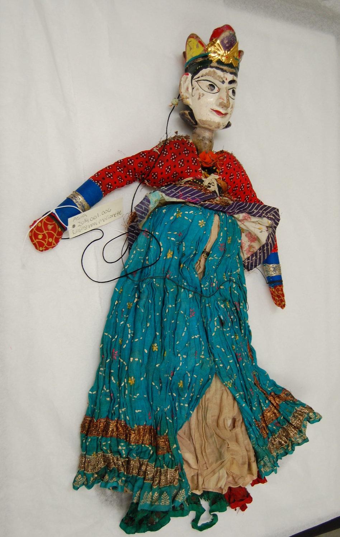 Anarkali, la danseuse, une marionnette à fils, <em>kathputli</em>, du Rajasthan, en Inde, hauteur : 60 <em>c</em>m. Colle<em>c</em>tion : Center for Puppetry Arts (Atlanta, Géorgie, États-Unis). Photo réproduite avec l'aimable autorisation de Center for Puppetry Arts