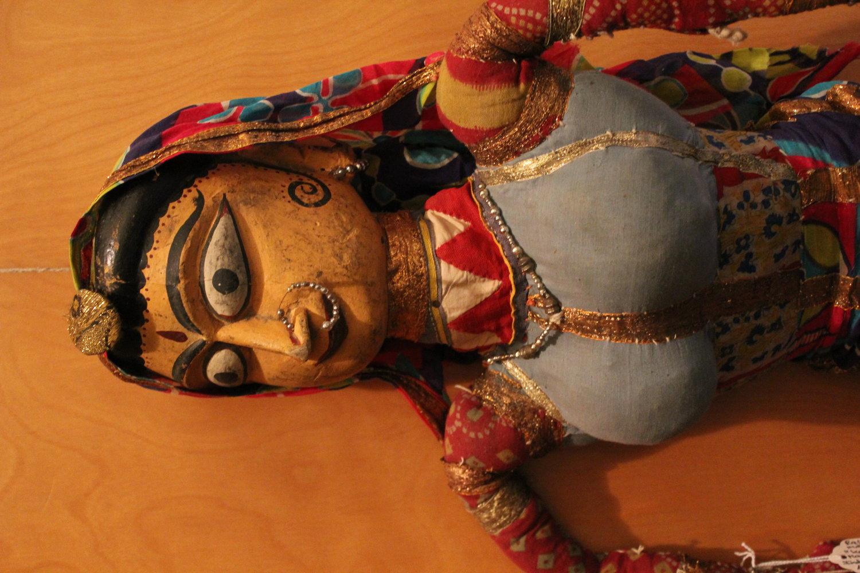 Anarkali, la danseuse (vers le milieu du XXe siè<em>c</em>le), de la tradition <em>kathputli</em>, les marionnettes à fils au Rajasthan, en Inde. The Cook / Marks Colle<em>c</em>tion, Northwest Puppet Center. Photo: Dmitri Carter