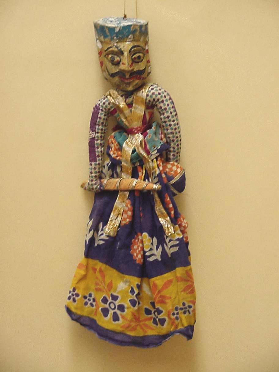 Un guerrier rajasthani, une marionnette à fils, <em>kathputli</em>, du Rajasthan, en Inde, hauteur : 47 <em>c</em>m. Colle<em>c</em>tion : Center for Puppetry Arts (Atlanta, Géorgie, États-Unis). Photo réproduite avec l'aimable autorisation de Center for Puppetry Arts