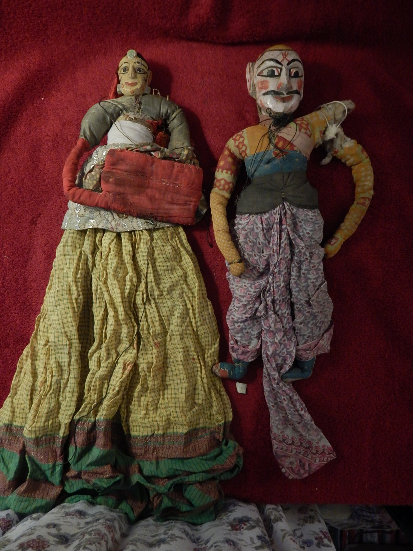 Deux vieilles <em>kathputli</em>, les marionnettes à fils du Rajasthan, en Inde. Photo: Karen Smith