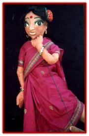 Marionnette à tiges d'un personnage féminin par Mahipat Kavi, directeur de Puppets & Plays (Ahmedabad, Gujarat)