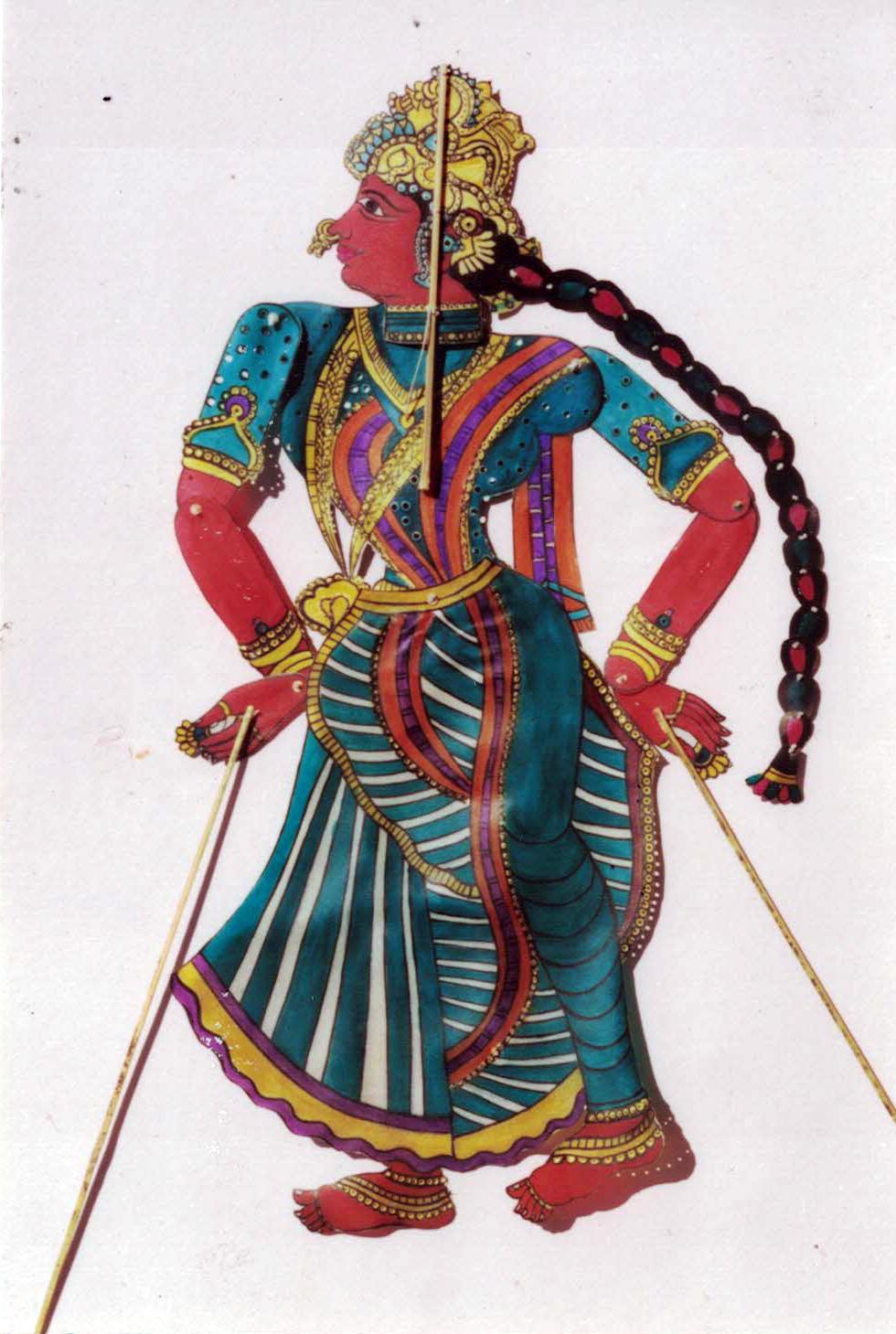 Kaikeyi, la deuxième épouse du roi Dasharatha, le père de Râma, un personnage du Râmâyana créé par le marionnettiste contemporain Mahipat Kavi de Puppets & Plays (Ahmedabad, Gujarat). Marionnette d'ombre