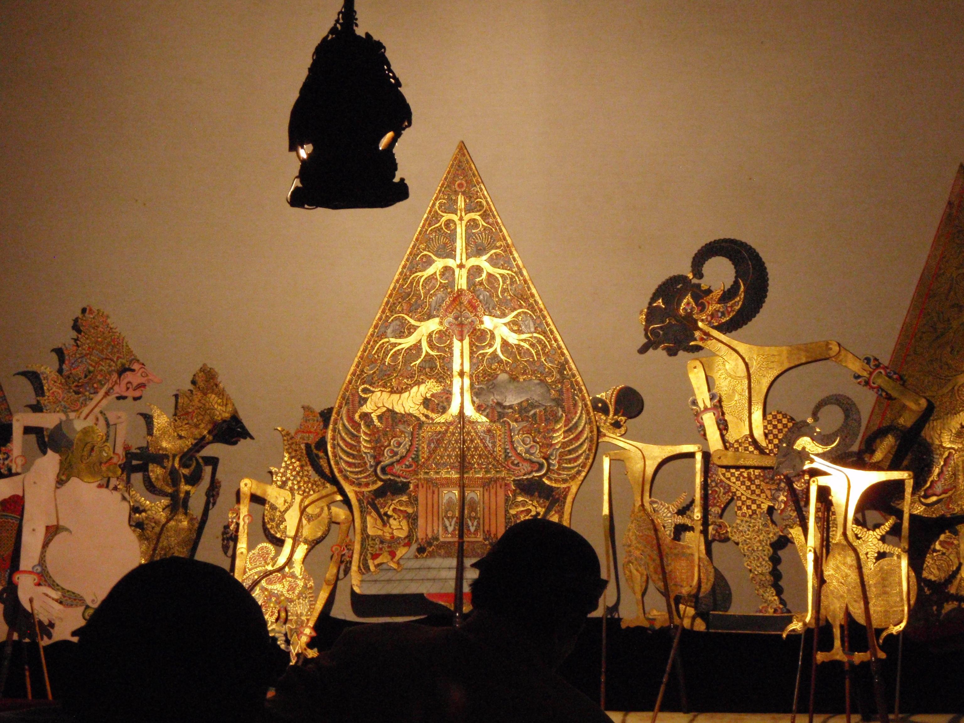 Une scène du Mahâbhârata, <em>wayang <em>kulit</em> purwa</em> Surakarta (Java central, Indonésie).