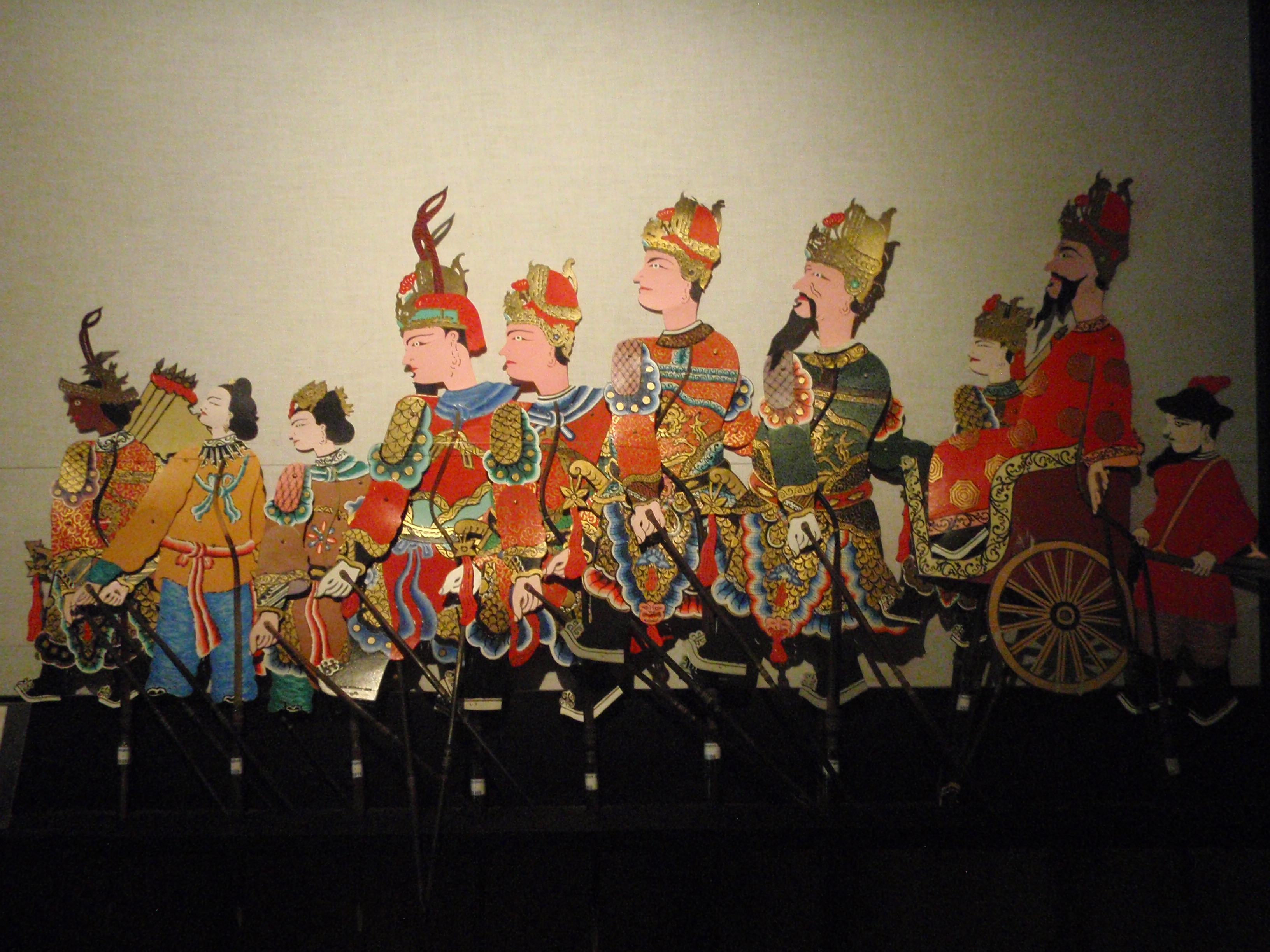 Wayang <em>kulit</em> Tiongkok-<em>Jawa</em> (théâtre d'ombres chinois-javanais), créé en 1885 par Gwan Thwan Sing à Jatineru, Yogyakarta, Java central. Collection : Setia Darma House of Masks and Puppets, Gianyar, Bali, Indonésie.