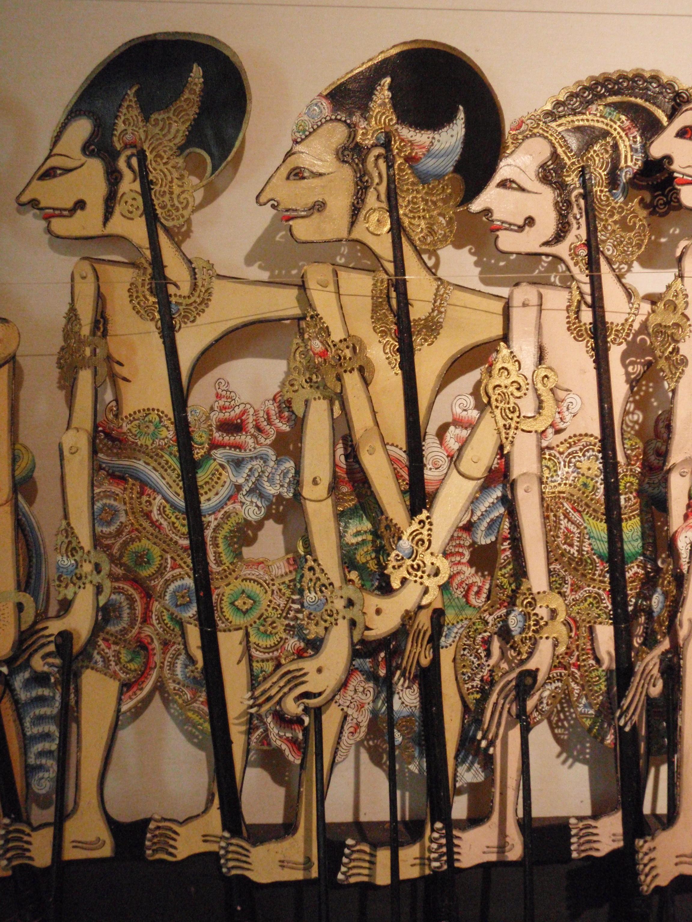 Wayang <em>kulit</em> gambuh (Bali) raconte des histoires sur <em>Raden</em> Panji, le prince légendaire de Java oriental. Collection : Setia Darma House of Masks and Puppets, Gianyar, Bali, Indonésie.