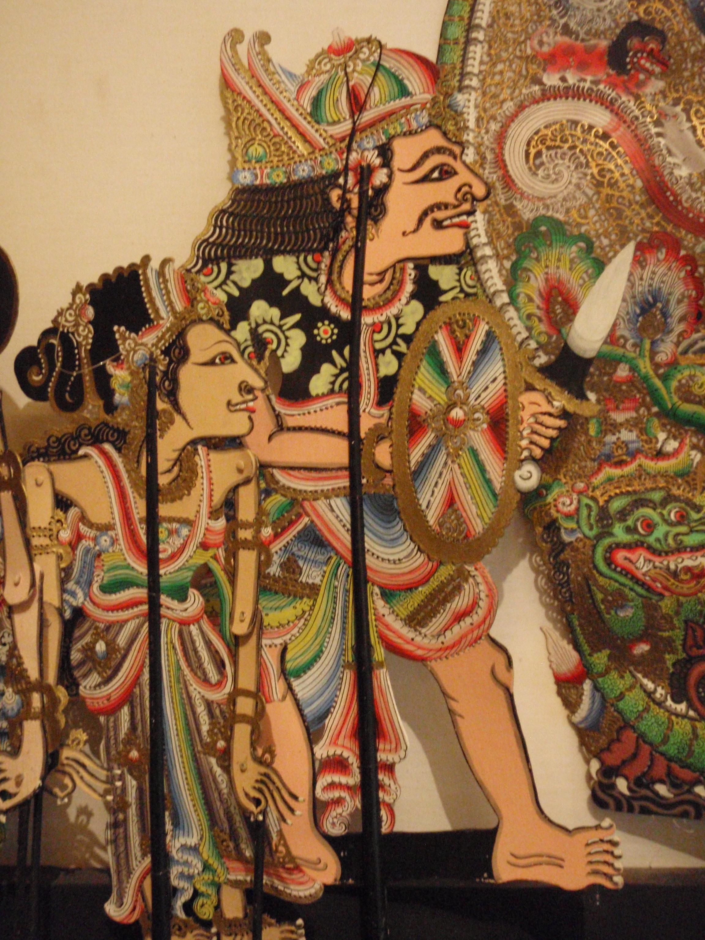 Wayang <em>kulit</em> babad (Bali) présente des chroniques basées sur l'histoire balinaise et les dynasties dominantes de l'île, créateur du wayang : I Wayan Nartha (Sukawati, Gianyar, Bali). Collection : Setia Darma House of Masks and Puppets, Gianyar, Bali, Indonésie.
