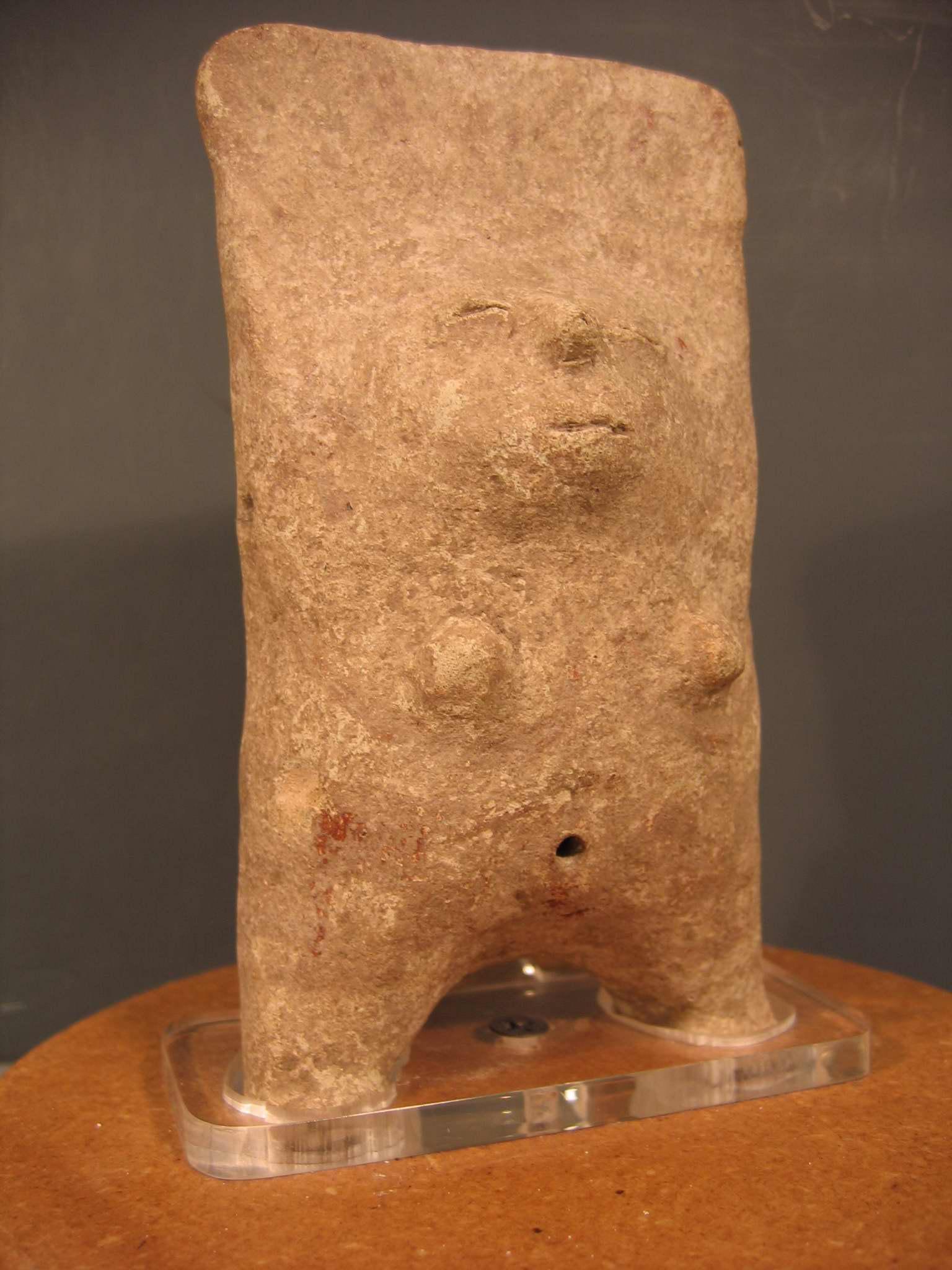 Figurine d'argile précolombienne d'une femme (vers 1400), les Huaxtèques (La Huasteca au Mexique)