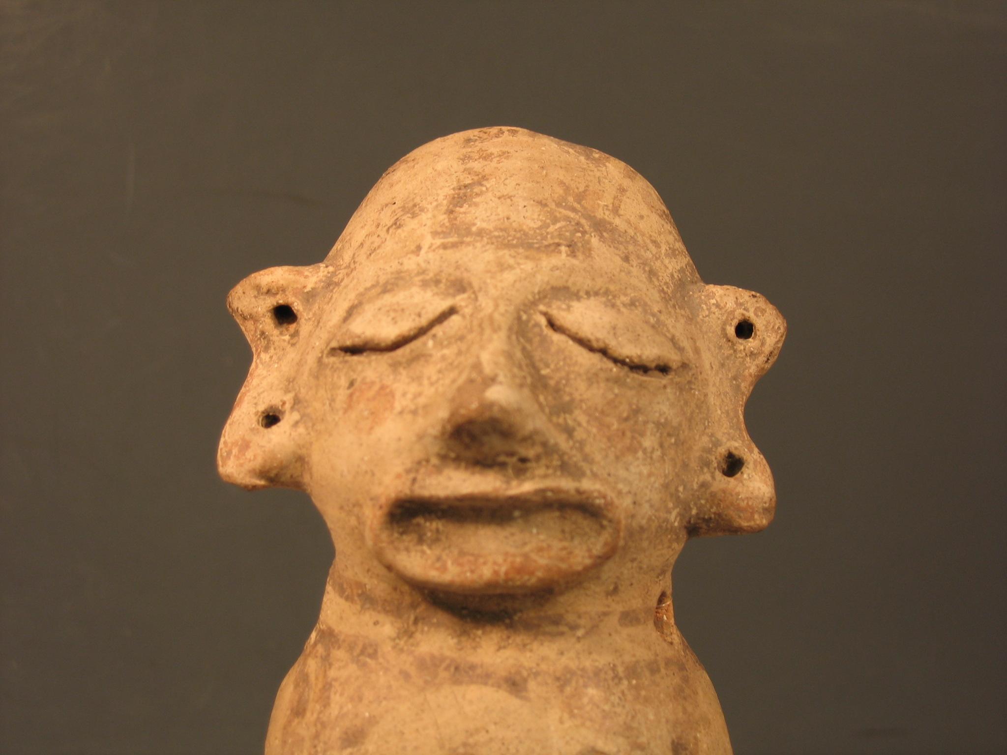 Figurine d'argile précolombienne d'un homme (vers 1400), les Huaxtèques (La Huasteca au Mexique)