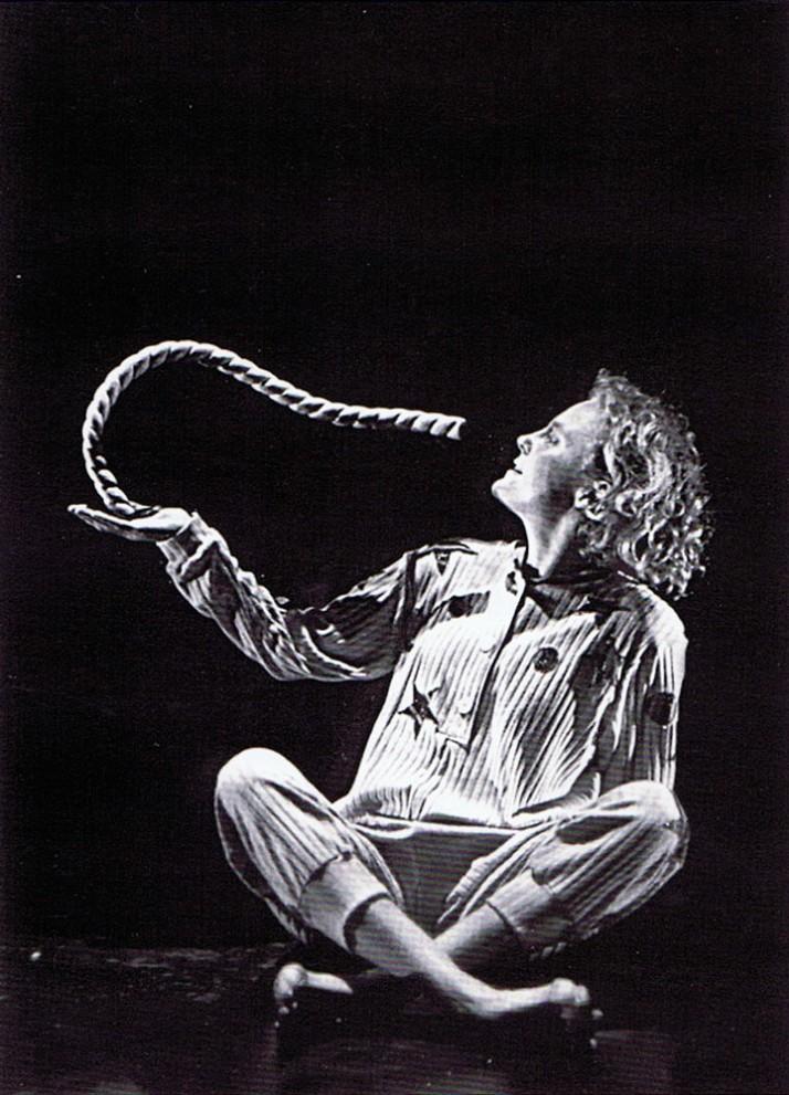 <em>Wake Baby</em> (1996) par Skylark Puppet Theatre (Canberra, ACT, Australie), mise en scène : Nigel Jamieson, directeur des marionnettes et marionnettiste : Peter J. Wilson