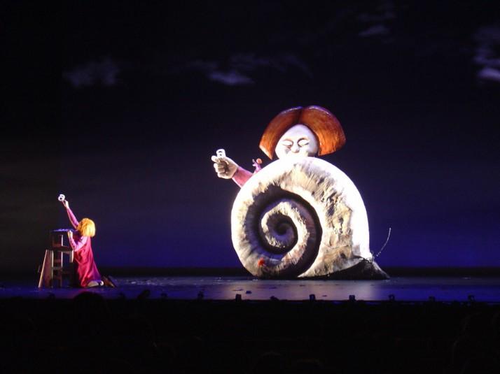 The Red Tree (2004), adapté du livre pour enfants de Shaun Tan, mise en scène : Peter J. Wilson, construction des marionnettes : Marion Hoad et Christopher Lane