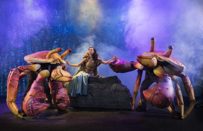 Pearl of the South Sea – Jai (2017, Aquarium de Jakarta, Indonésie), inspirée de la légende javanaise sacrée, « Nyi Roro <em>Ki</em>dul », scénario et mise en scène : Peter J. Wilson.