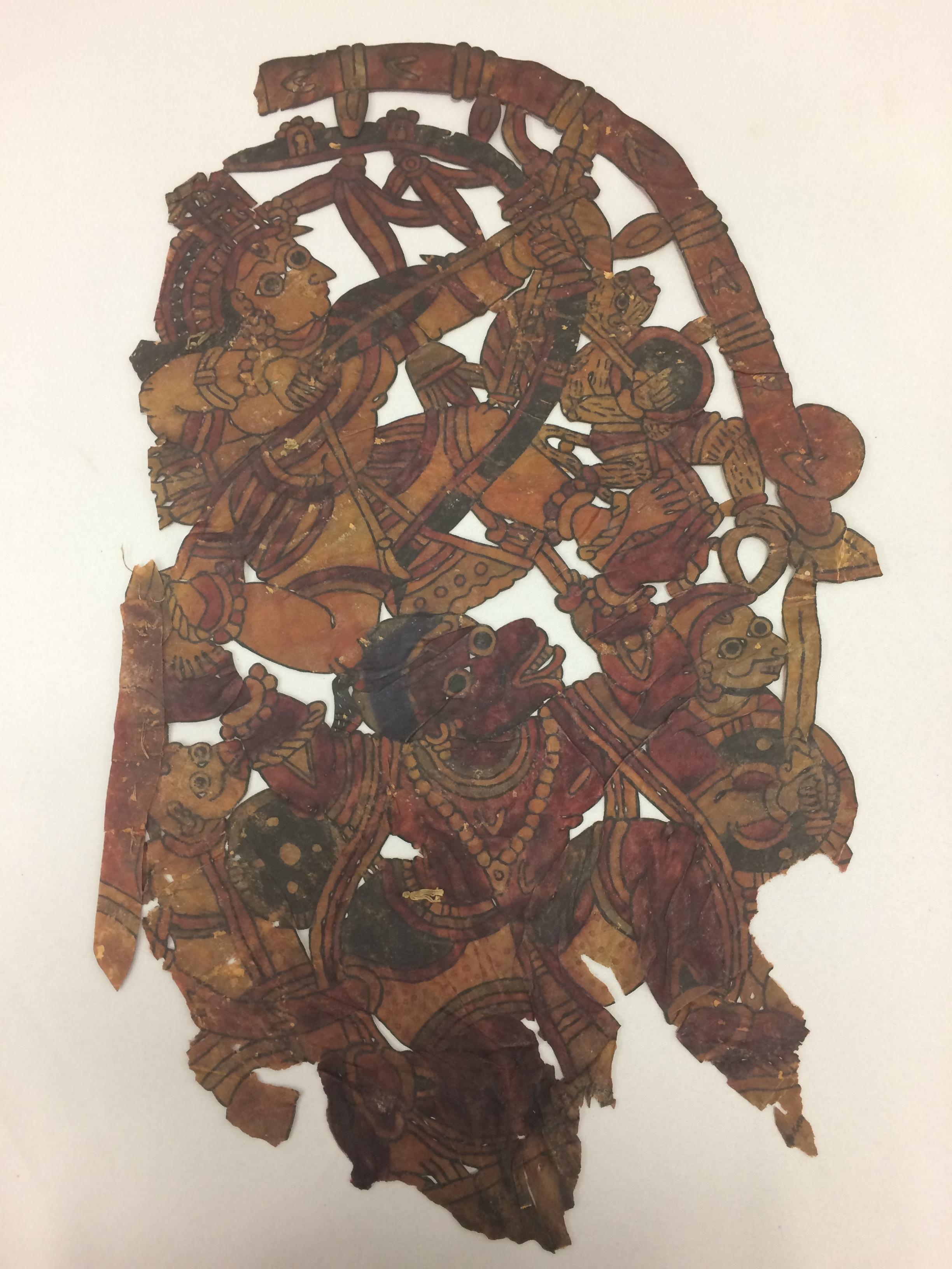 Râma, <em>Hanuman</em> et l'armée du singe en guerre contre Râvana, du Râmâyana, réalisée dans le style de togalu gombeya</em>ta</em>, théâtre d'ombres traditionnel de Karnataka, en Inde, hauteur : 60 cm. Collection : Center for Puppetry Arts (Georgia, Atlanta, États-Unis), donnée par Melvyn Helstien (1991)