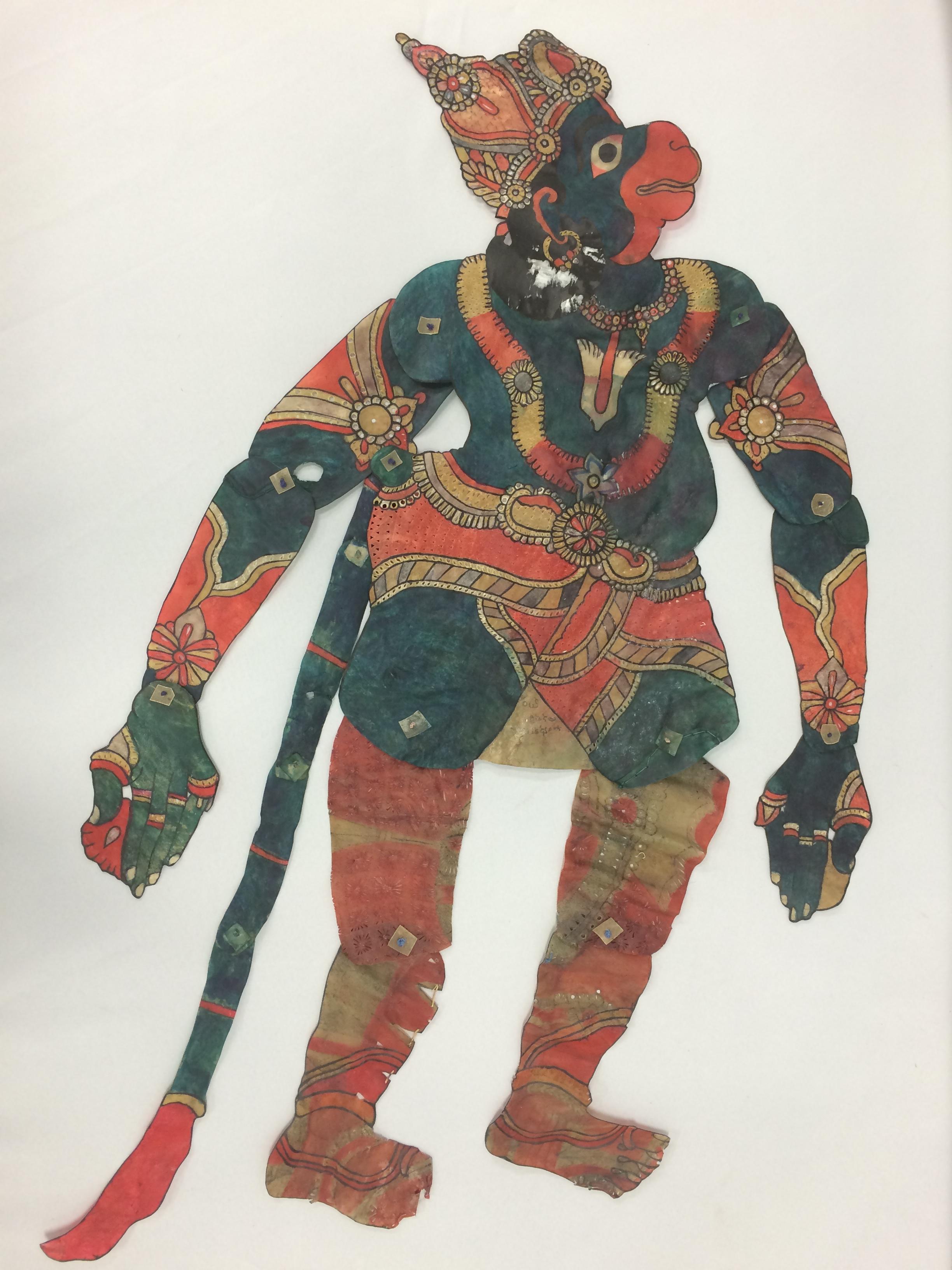 <em>Hanuman</em>, un personnage central du Râmâyana, une figure d'ombre, tolu bommalata, d'Andhra Pradesh, en Inde, hauteur : 1,10 m. Collection : Center for Puppetry Arts (Atlanta, Géorgie, États-Unis)