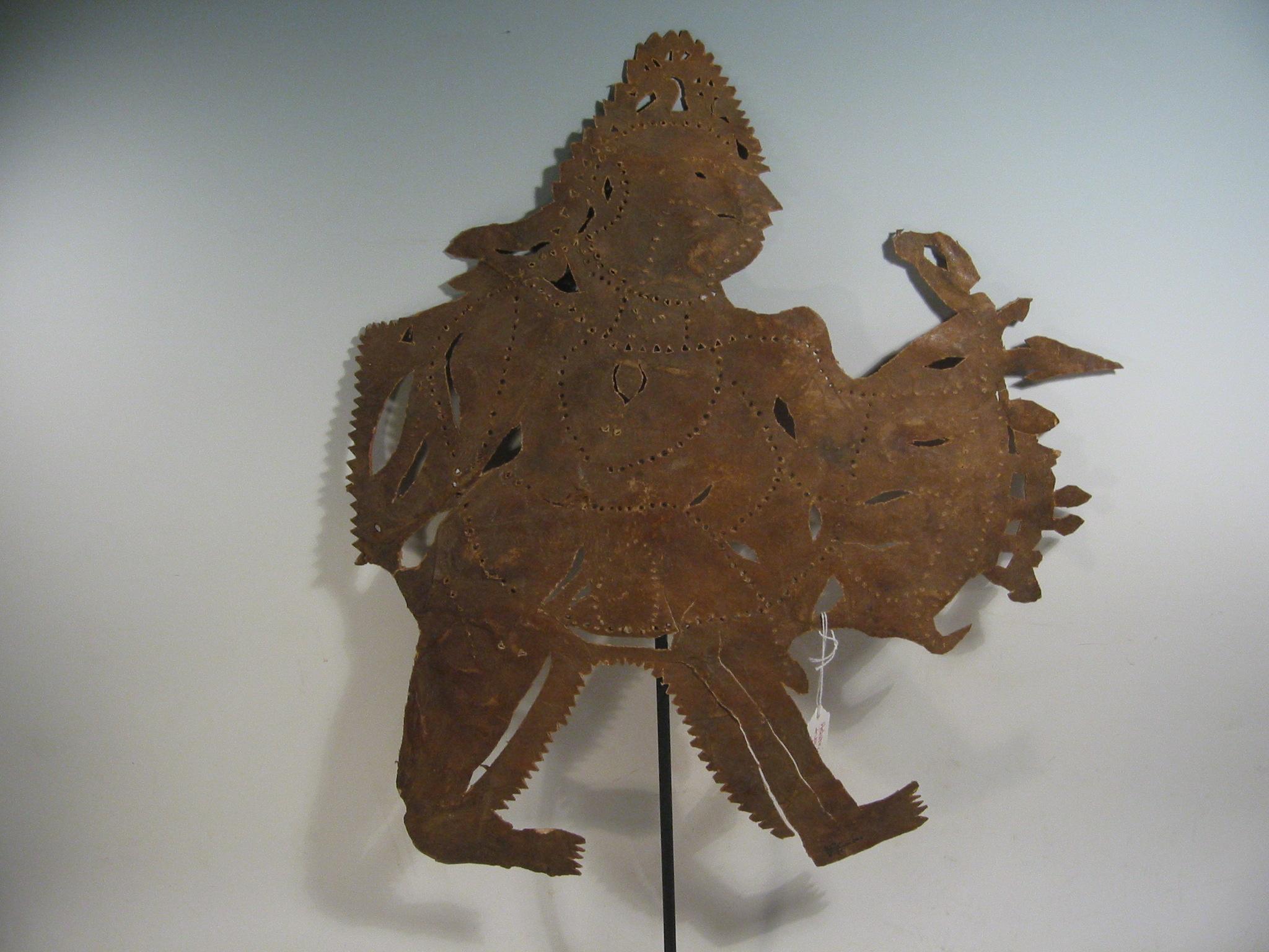 Râma, une figure d'ombre, ravanachhaya, d'<em>Or</em>issa (Odisha) en Inde, hauteur : 56 cm. Collection : Center for Puppetry Arts (Atlanta, Géorgie, États-Unis)