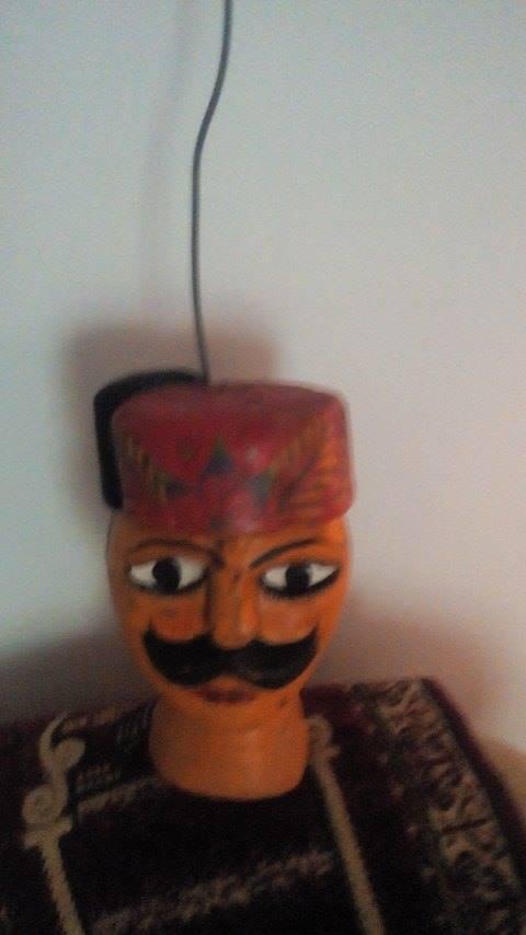 Tête d'Ismail Pacha. Fabrication de marionnette à tringle : Hachmi Aschi (Tunis, Tunisie)