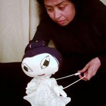 <em>La petite étoile</em>, dans <em>La petite étoile</em> par Domia Production (Tunis, Tunisie), mise en scène, conception, scénographie, fabrication de marionnettes et manipulation : Habiba Jendoubi. Marionnette à tiges (sur table), hauteur : 30 cm